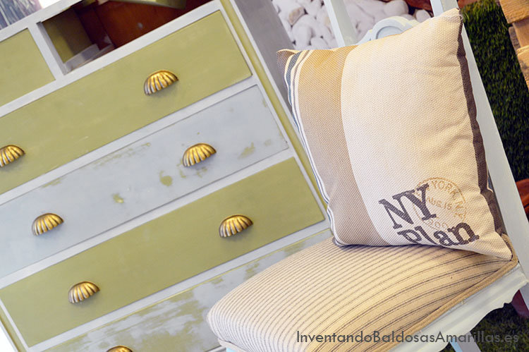 Trucos para pintar con chalk paint y decorar en casa for Chalk paint muebles ikea