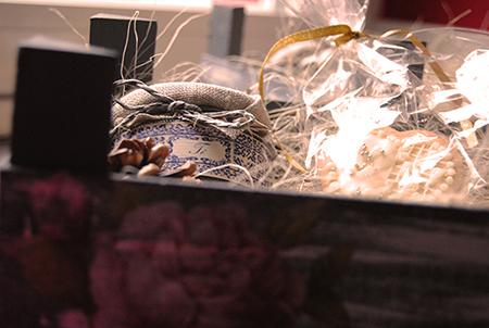 caja-de-fresas-decorada