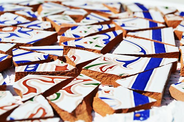 como-hacer-mosaicos-con-azulejos-rotos