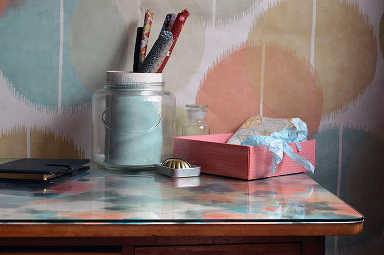 escritorio-papel-colores