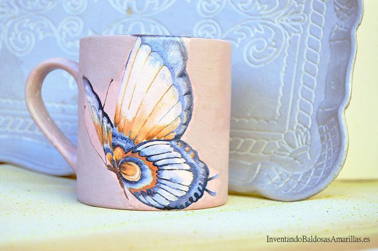 Regalos hechos a mano: tazas decoradas con servilletas