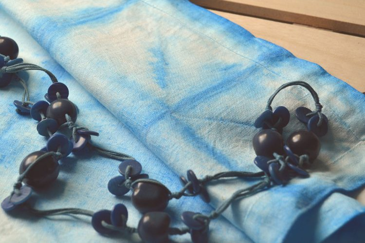Shibori, como tenir tela con pintura para textil