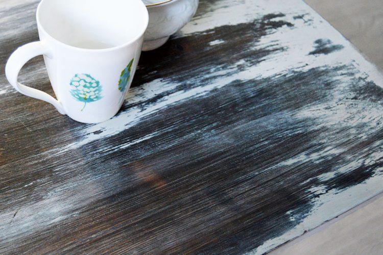 Cómo renovar un mueble de madera con efecto envejecido