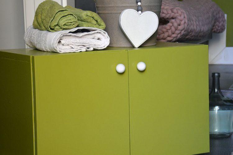 Cómo pintar muebles de baño de melamina rápidamente
